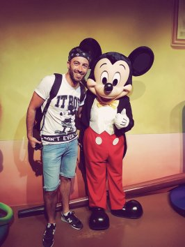 With Mickey Mouse - Disneyland Anaheim - The Chris's Adventures -