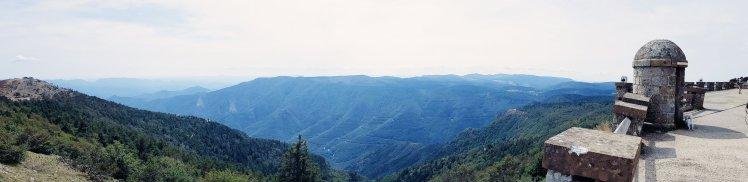 Vue sur la vallée de mont-Aigoual - The Chris's Adventures