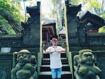Gouche ou Droite? - The Sacred Monkey Forest Sanctuary - The Chris's Adventures