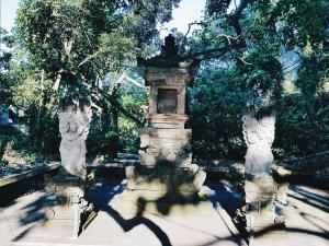 Mini temple - Sacred Monkey Forest Sanctuary - The Chris's Adventures