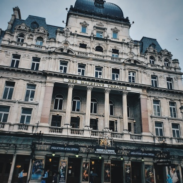 Dans les rues de Londres 2 - The Majesty's Theatre - The Chris's Adventures