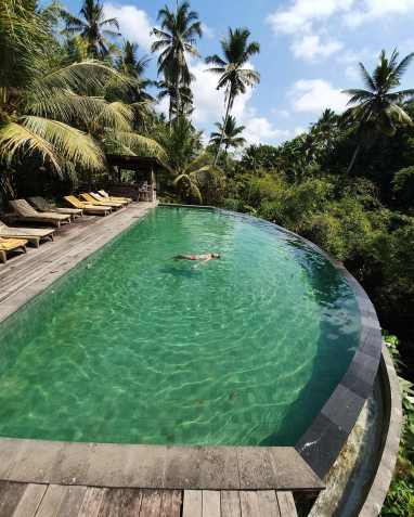 Piscine du bas - Pertiwi Bisma 1 - the Chris's Adventures